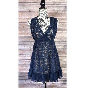 American rag top blue lace medium sleeveless
